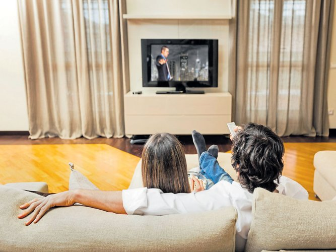 Watching TV for 3 hours daily may up diabetes risk in kids