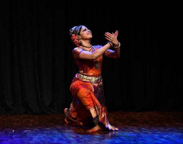 Music and Dance reviews, Navaratri, Kuchipudi, Abhinaya