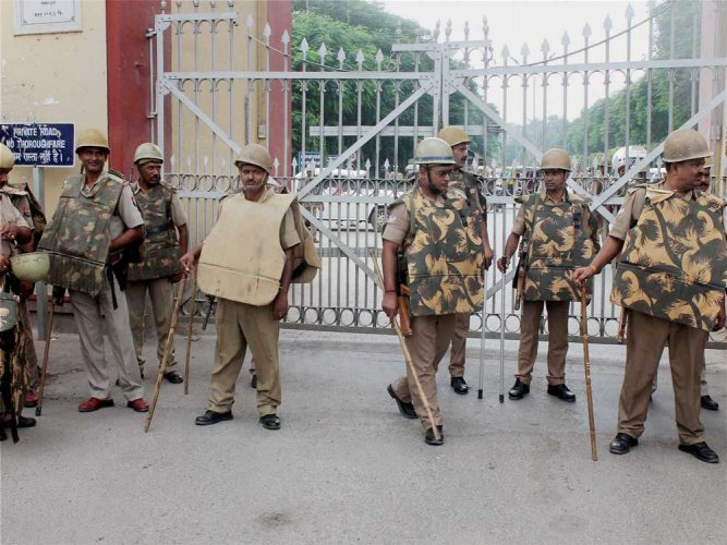 Classes resume at BHU amid tight security arrangements