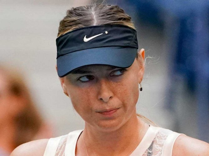 What ban? Chinese in thrall to tennis 'goddess' Sharapova