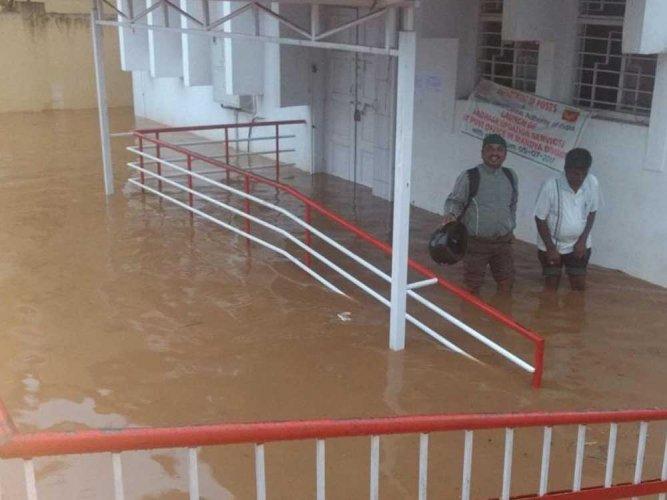 Thundershowers lash North Karnataka districts