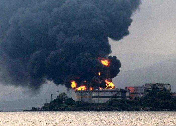 Butcher Island fire continues