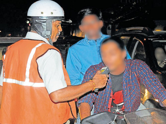 Drunk riders refuse test, detained