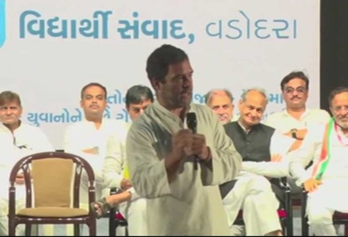 How many women are there in RSS, asks Rahul