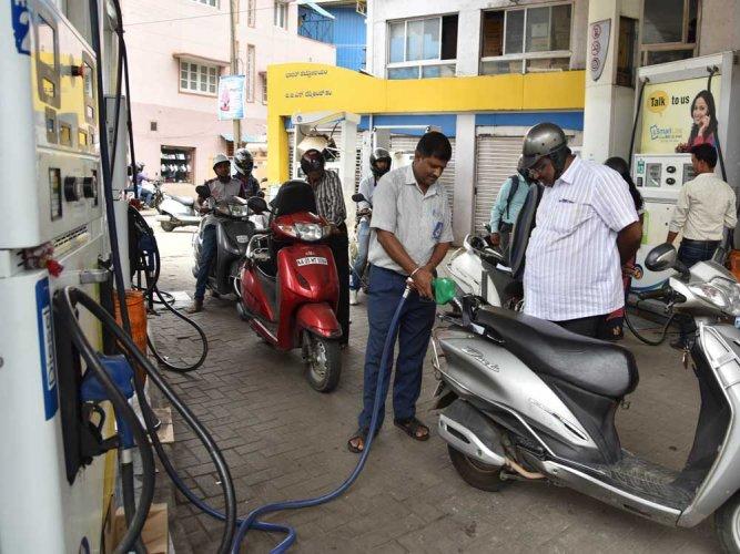 Petrol pump dealers call off Friday's strike