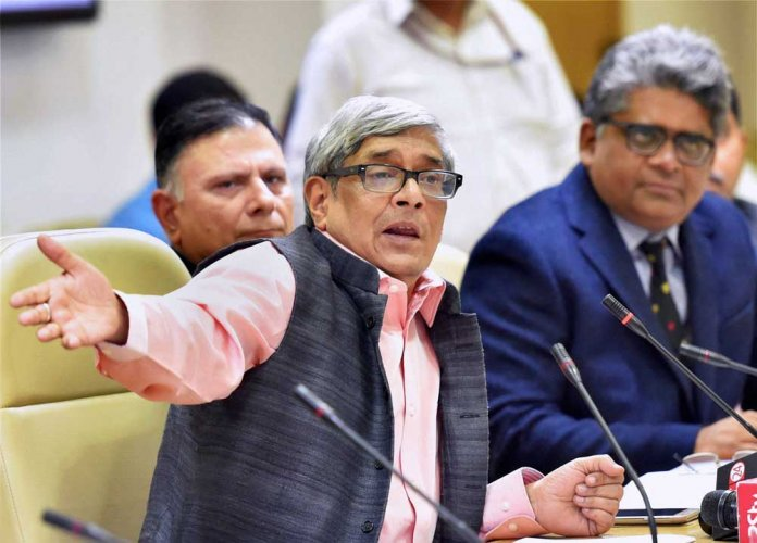 PM's advisory council member questions IMF, WB growth outlook