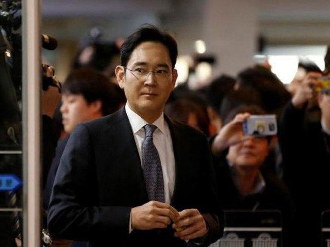 Samsung scion fights back as legal appeal begins
