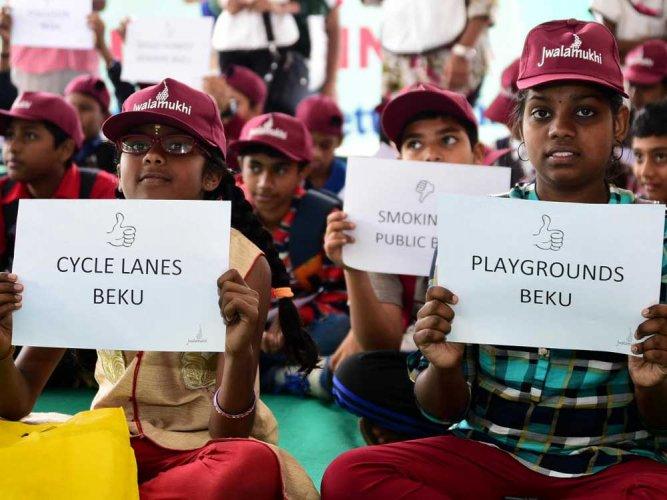 Citizens air needs, complaints at Sante, seek fair play