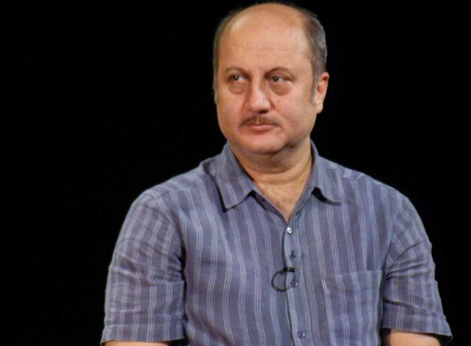 On FTII visit, Anupam Kher tries to strike positive note with