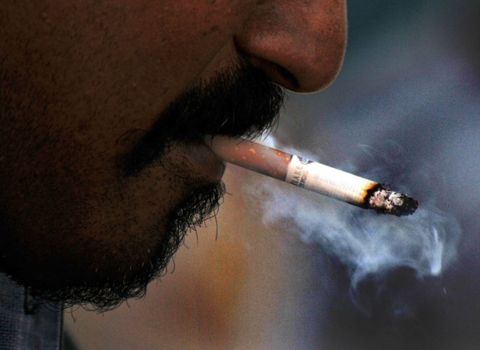 Almost half of B'lureans are passive smokers, says survey