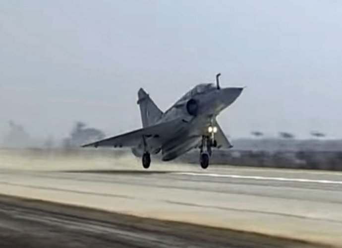 IAF plans highway landing of its fighters next week