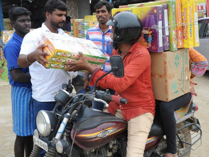 No sparkle for cracker sales at border near Hosur
