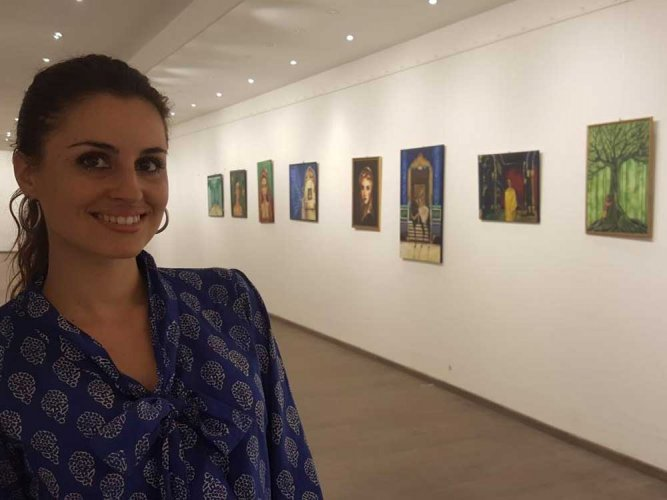 Inspired by India's colours,  French artist holds show in city