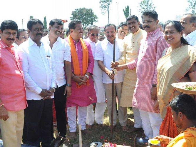 BJP plans mega bike rally to B'luru for yatra launch on Nov 2