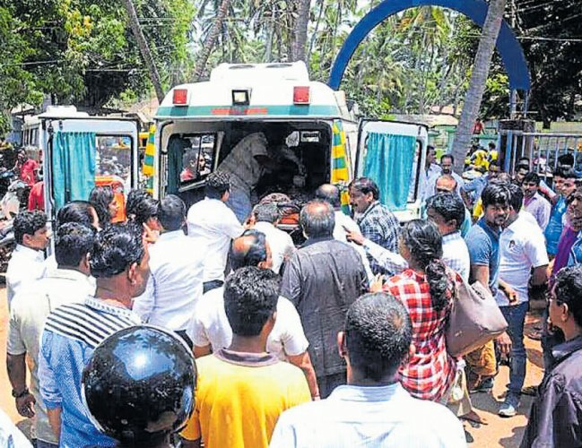 Lorry runs over woman, daughter at Banaswadi
