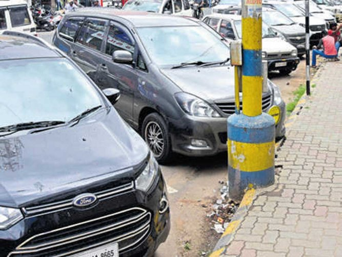 20% of parking space on 85 roads could be reserved for women