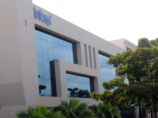 Infosys Q2 net up 3.33% at Rs 3,726 cr
