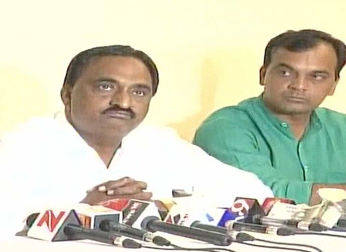 PAAS leader drags Guj BJP chief to court