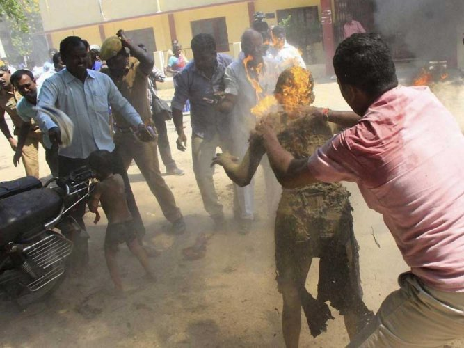 NHRC issues notice to TN govt on self-immolation incident