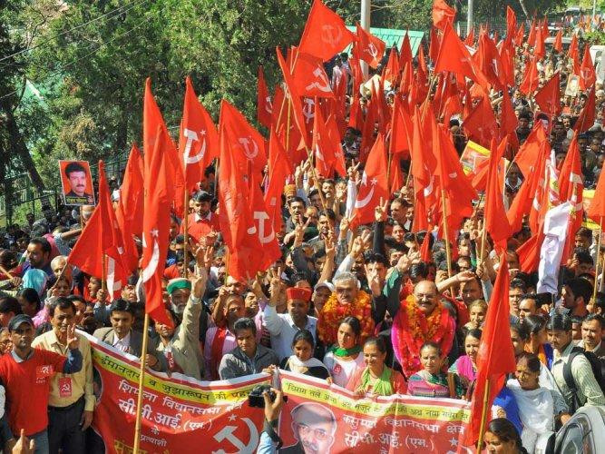 Poll scene hots up in Himachal as mercury plummets in Shimla