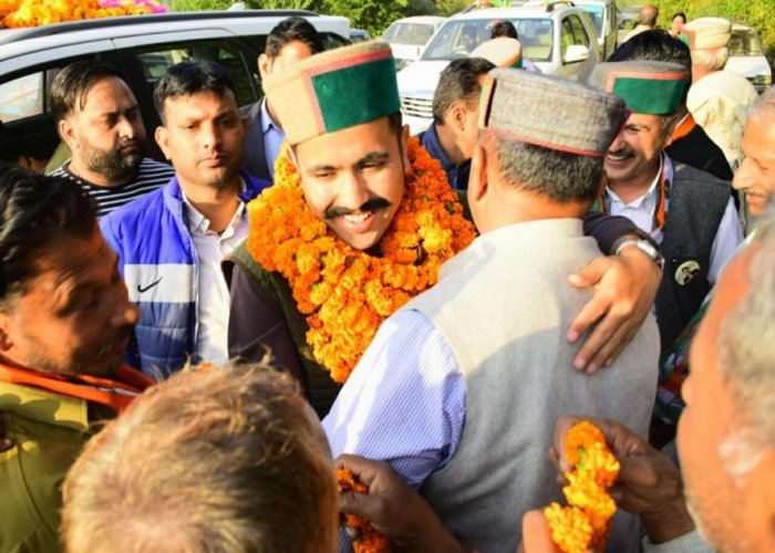 Richest nominee and CM's son sweats it out in debut poll in HP