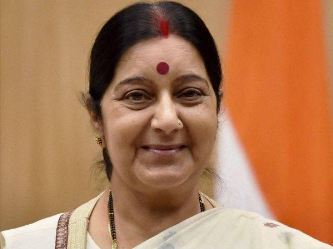Sushma gets Indian missions to work on holiday to issue visa to stranded people
