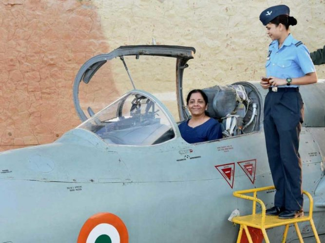 Defence minister pulls up IAF top brass over declining squadron strength