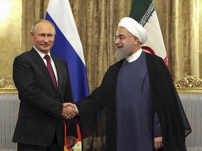 Putin visits Tehran for talks on Syria, nuclear deal