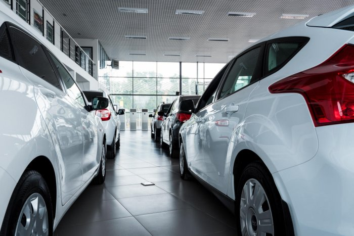 Car sales mark muted growth in Oct
