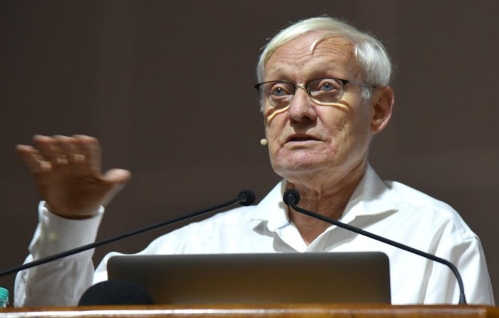 Nobel Prize winner for Chemsitry wants to be a fiction writer