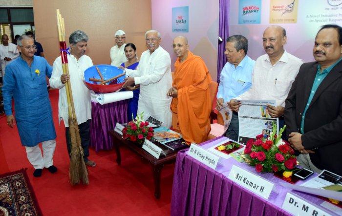 Jigajinagi launches 4th phase of Swacchata Abhiyan