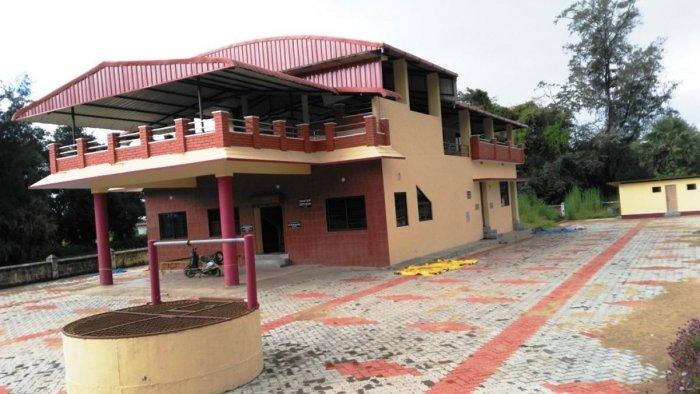 Problems galore at Gombeyata Academy in Uppinakudru village