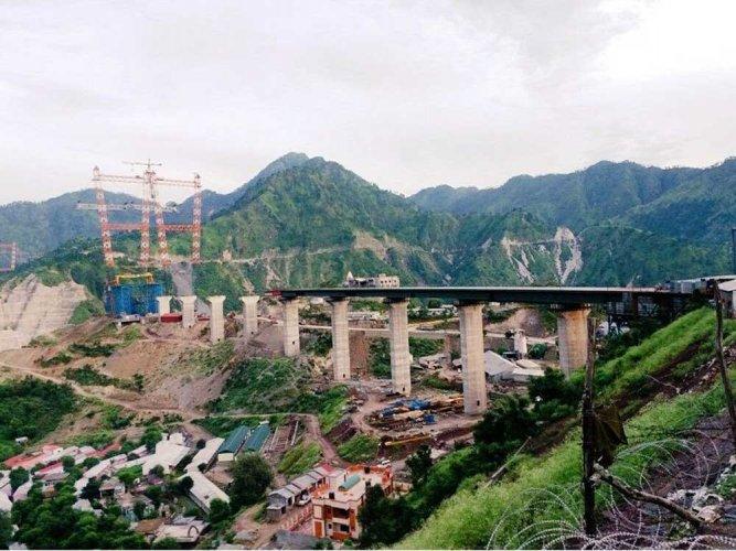 Railways installs main arch on world's highest bridge over Chenab