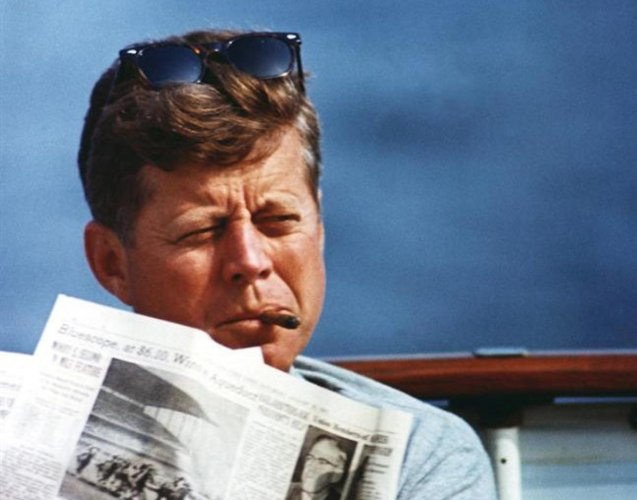 Kennedy's Harvard medallion may fetch USD 25k at auction