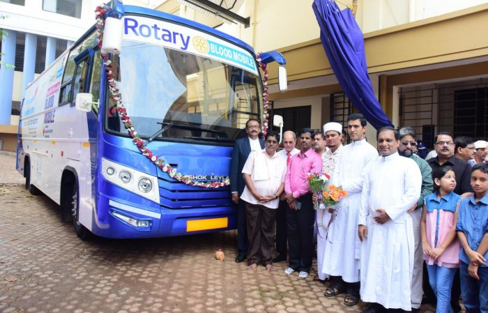Rotary blood mobile bus handed over to IRCS