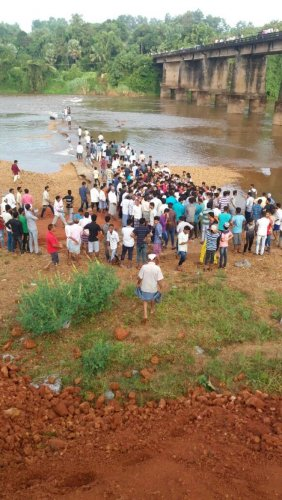 Five youth drown in Phalguni river