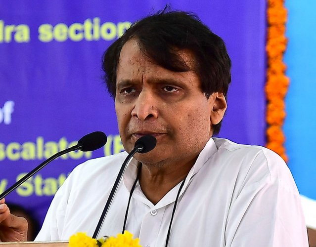 Note Ban reduced stone pelting incidents in Kashmir : Suresh Prabhu