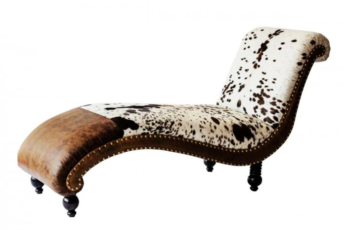 Highlighting opulence with furniture