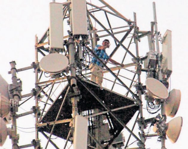 No case for holding spectrum auctions now: Big telcos to Trai