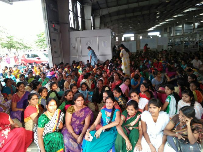 Shahi Exports Plans Unit Shut Down, Workers Protest