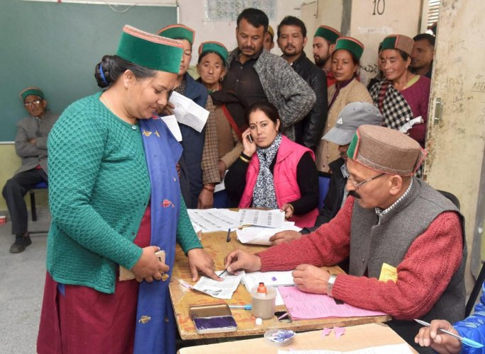 Women voter outnumber men in HP polls