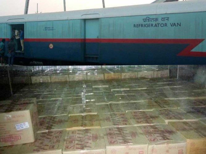 Amul boards Indian Railways via Twitter