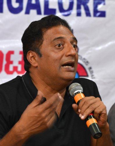 Politics not my cup of tea, says Prakash Raj