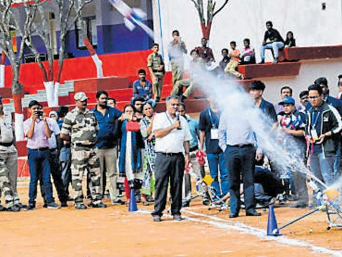 Hitting bull's eye on the ground with water rockets