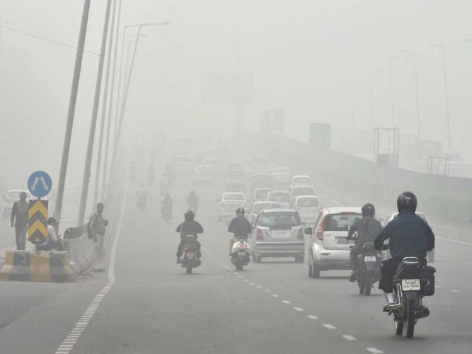 Delhi choked by smog as emergency measures fail to offer respite