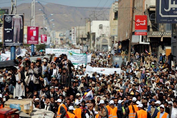 Saudi Arabia says it will reopen Yemen airports, seaports