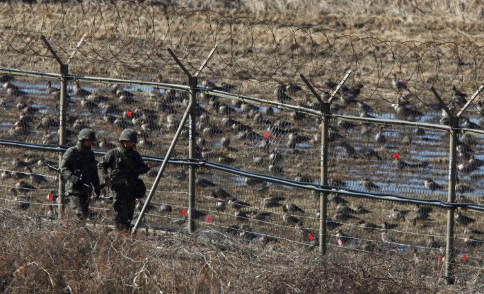N Koreans fire at soldier trying to defect to South