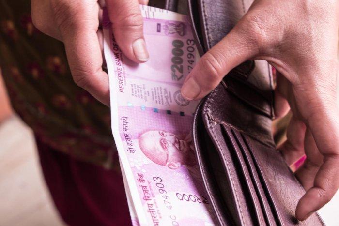 Govt seeks hefty dividends from PSUs