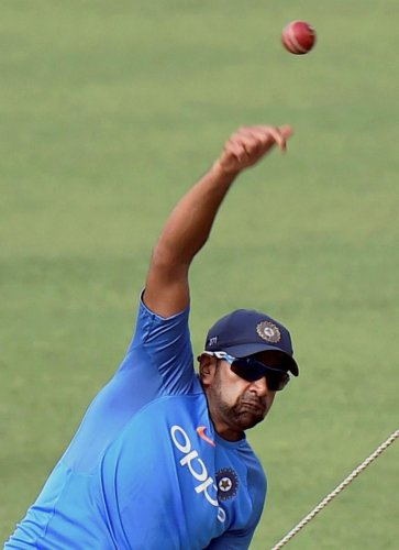 India look to maintain hold over Lanka