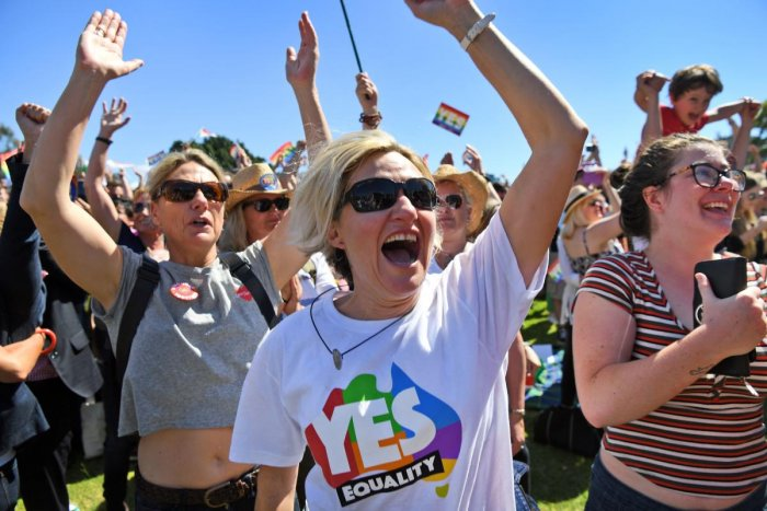 Same-sex marriage may be law in Australia by early Dec